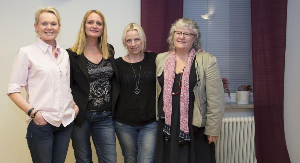 Fra venstre: Arrangør Ann-Christine Reimer, foredragsholder Helle Sydendal og fra Sköldkörtelföreningen Git Blixt og Christina Gudmundsson